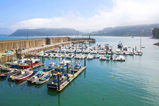 puerto pesquero lastres