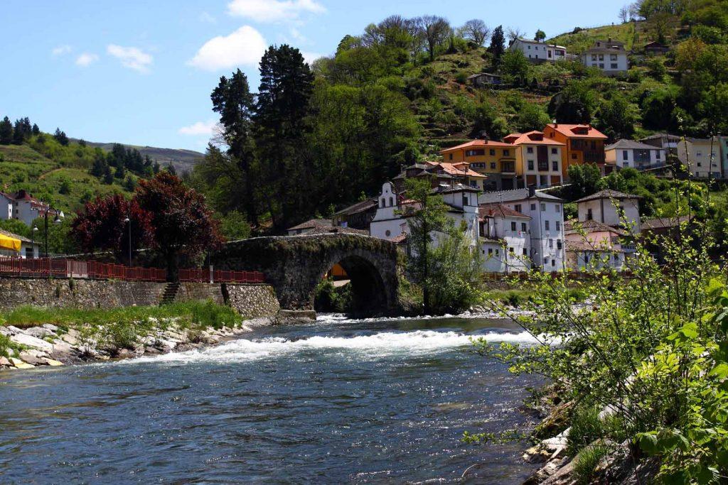 Cangas de Narcea Puente